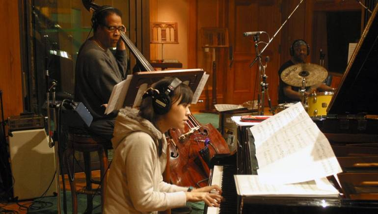 Stanley Clarke records with Hiromi Uehara and Lenny White.