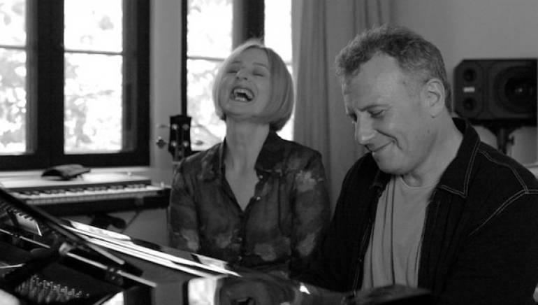 Julia Fordham and Paul Reiser