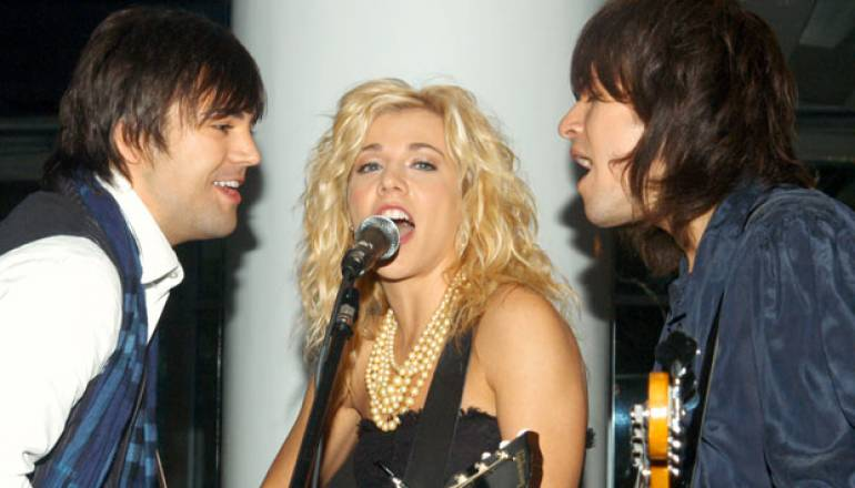 Breakthrough Artist winners the Band Perry perform Song of the Year