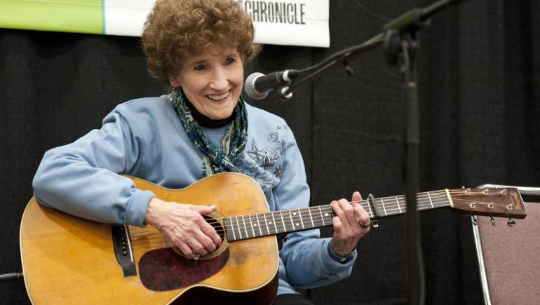"""Pictured above: Hazel Dickens shows folks how it's done at BMI's """"Songwriters Explain Everything"""" panel, held Thursday, March 17 during SXSW 2011."""