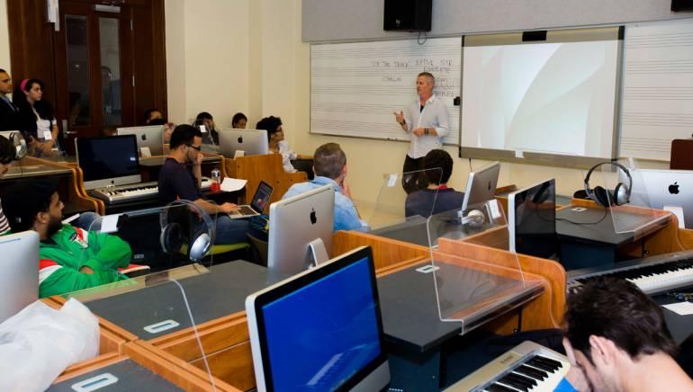 BMI composer Blake Neely leading the two-day composer master class at the Conservatorio de Música de Puerto Rico.