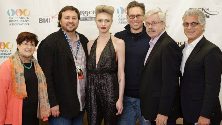 Pictured before Ivy's performance (l-r): CRA Issues PAC Board of Trustees Chairwoman Lynne Davidson, BMI's Mason Hunter, Levan, CRA Political Affairs John Goddard, CRA Board of Directors Chairman Kevin McCarney, CRA President & CEO Jot Condie