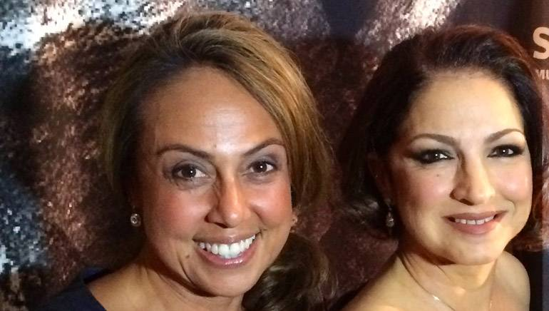 BMI Vice President, Latin Writer/Publisher Relations, Delia Orjuela, congratulates Gloria Estefan on her induction to the Latin Songwriters Hall of Fame on Saturday, October 18, at the Ritz Carlton South Beach Hotel in Miami Beach, Florida.