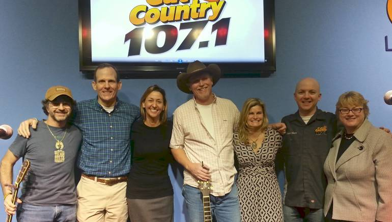 Pictured after the showcase (left to right): Phil O'Donnell, BMI's Dan Spears, Lee County Visitor & Convention Bureau Marketing Director Laura Chmielewski, Wynn Varble, Clear Channel Media & Entertainment VP/Regional Market Manager Sherri Griswold, Cat Country Program Director Todd Nixon and Lee County Visitor & Convention Bureau Executive Director Tamara Pigott.