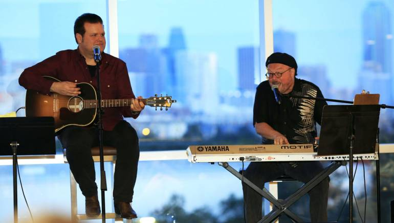 BMI songwriters Bobby Tomberlin and Bill LaBounty perform at the Renaissance Hotel in Dallas.
