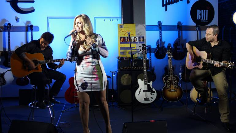 Erika Vidrio sings some of the biggest hit records she's penned at BMI's 'Canciones Sin Chones' event.