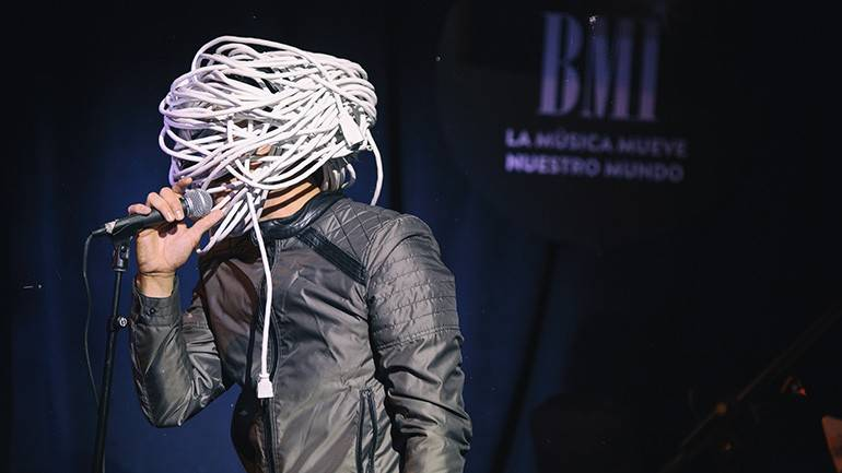 """Performing artist Cable Head opened the """"Verano Alternativo"""" showcase in support of LAMC on July 9, 2019 in New York."""