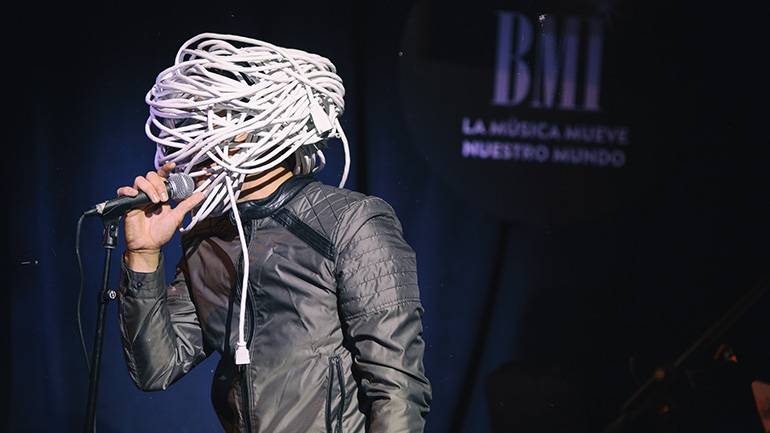 "Performing artist Cable Head opened the ""Verano Alternativo"" showcase in support of LAMC on July 9, 2019 in New York."