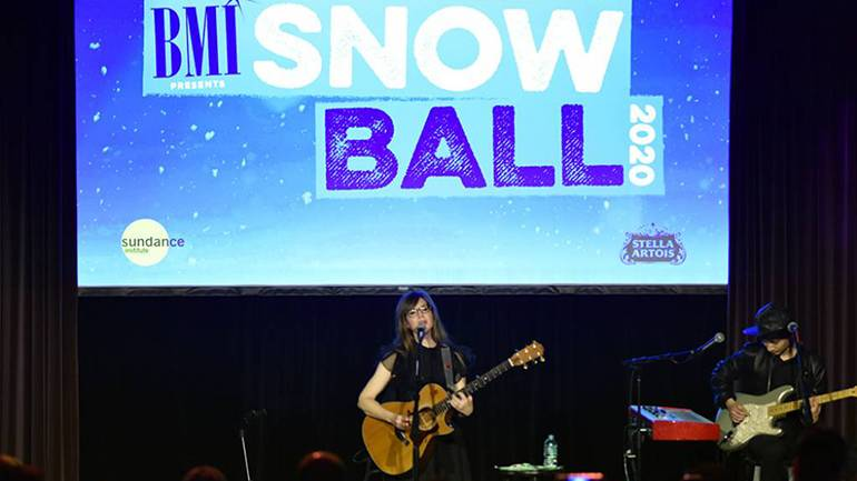 Lisa Loeb performs to a full house at the BMI Snowball during the 2020 Sundance Film Festival at The Shop on January 28, 2020 in Park City, Utah.
