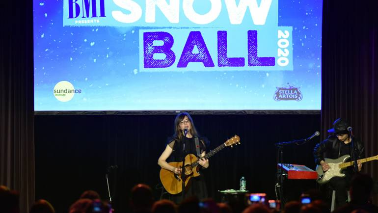 Lisa Loeb performs to a full house at the BMI Snowball during the 2020 Sundance Film Festival at The Shop on January 28, 2020 in Park City, Utah. Photo by John Mazlish for BMI.