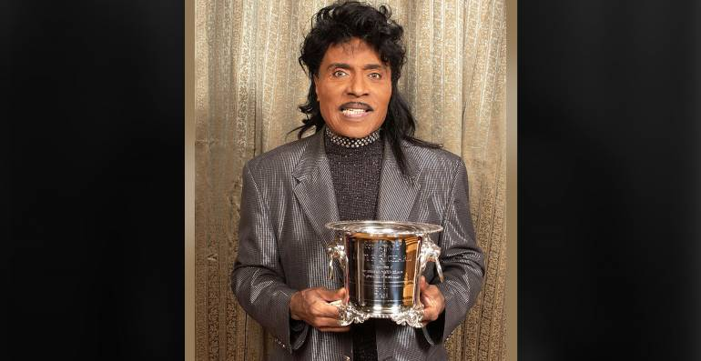 Little Richard accepts the Icon Award at the 50th Annual BMI Pop Awards in Los Angeles on May 14, 2002.