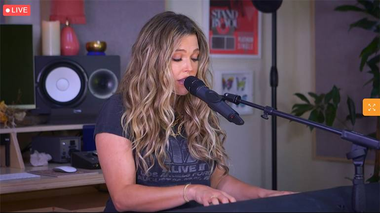 BMI songwriter Rachel Platten performs at the 2021 NAB State Leadership Conference.