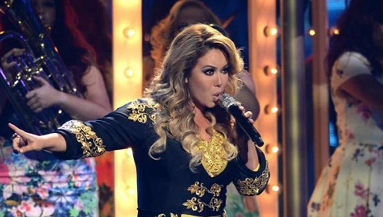 "Chiquis Marin makes a spectacular debut singing ""Esa No Soy Yo"" at the Premios Juventud Awards on Thursday, July 17."