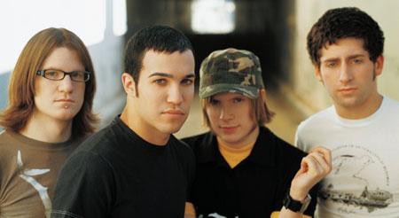 http://www.bmi.com/musicworld/onthescene/200509/images/fall_out_boy.jpg